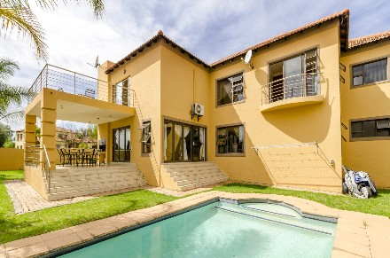 R 3,300,000 - 5 Bed Home For Sale in Savanna Hills
