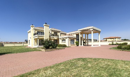 On Auction - 4 Bed Property On Auction in Parkrand