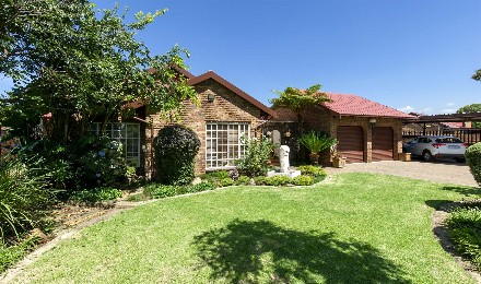 On Auction - 3 Bed Property On Auction in Farrarmere