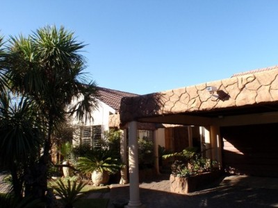 R 1,650,000 - 8 Bed Property For Sale in Witfield