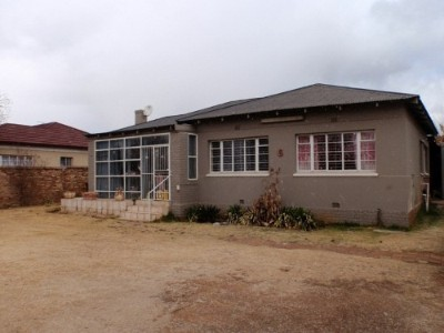 R 550,000 - 4 Bed Property For Sale in Casseldale