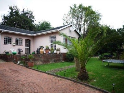 R 850,000 - 4 Bedroom, 2 Bathroom  House For Sale in Birch Acres, Kempton Park