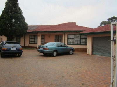 R 1 -  Property For Sale in Lenasia South