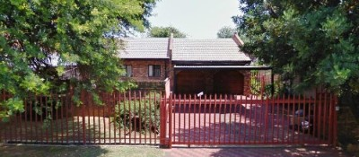 On Auction - 4 Bedroom, 2 Bathroom  Property On Auction in Helikon Park, Randfontein