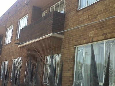 R 270,000 - 2 Bedroom, 1 Bathroom  Property For Sale in Primrose