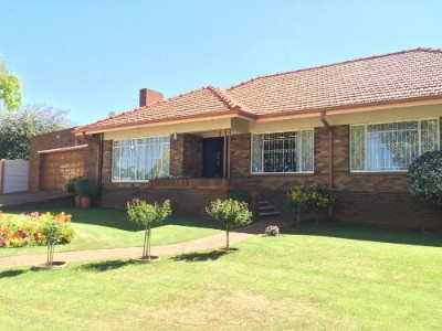 On Auction - 5 Bedroom, 2.5 Bathroom  Property On Auction in Horison