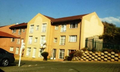 On Auction - 2 Bedroom, 1 Bathroom  Property On Auction in Alan Manor