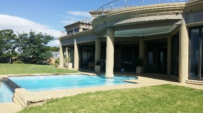 R 9,500,000 - 4 Bed House For Sale in Constantia Kloof