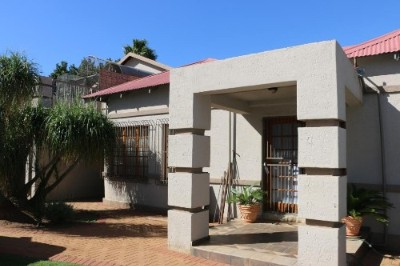 R 1,700,000 - 3 Bedroom, 2 Bathroom  House For Sale in Northmead