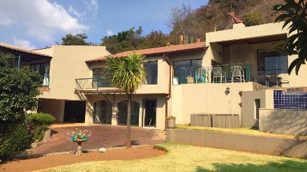 R 2,890,000 - 4 Bed House For Sale in Glenvista