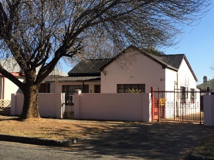 R 880,060 - 3 Bed House For Sale in Benoni Central