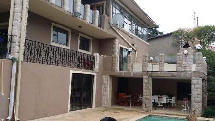 On Auction - 7 Bed House On Auction in Observatory