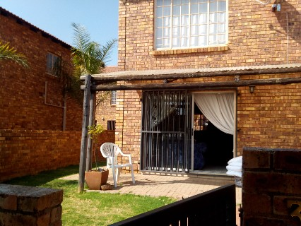 On Auction - 2 Bed Apartment On Auction in Wilgeheuwel