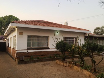R 900,000 - 4 Bed Property For Sale in Delville