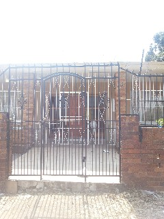On Auction - 4 Bed Property On Auction in Turffontein