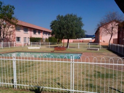 On Auction - 2 Bed Apartment On Auction in Boksburg West