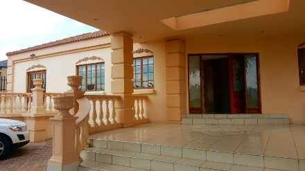 R 2,800,000 - 3 Bed Property For Sale in Lakefield