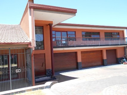 R 2,200,000 - 3 Bed Property For Sale in Linmeyer