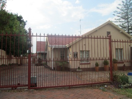 On Auction - 3 Bed Property On Auction in Aldara Park