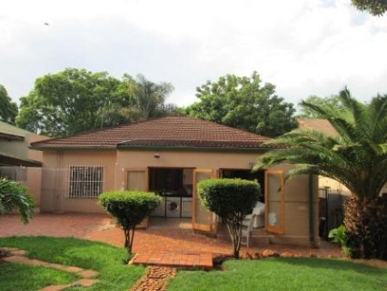 R 1,900,000 - 3 Bed Property For Sale in Kensington