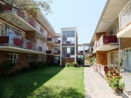 R 320,000 - 1 Bed Flat For Sale in Benoni Central
