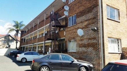 R 607,200 - 2 Bed Flat For Sale in Lyndhurst