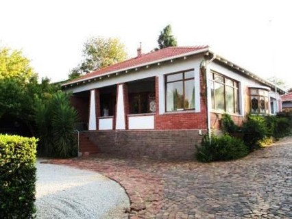 R 3,100,000 - 3 Bed Property For Sale in Greenside