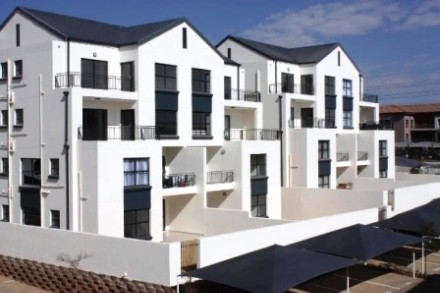 On Auction - 3 Bed Apartment On Auction in Greenstone Hill