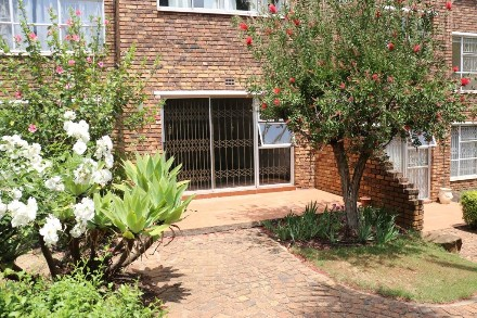 On Auction - 2 Bed Property On Auction in Atholl Gardens