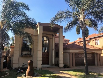 R 3,800,000 - 4 Bed Property For Sale in Beyers Park