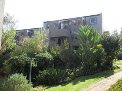 R 800,000 - 3 Bed Property For Sale in Suideroord