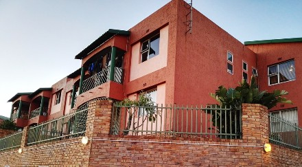 R 700,000 - 3 Bed Property For Sale in Winchester Hills