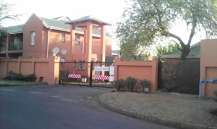 R 360,000 - 2 Bed Flat For Sale in Boksburg Central