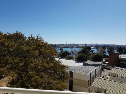 R 950,000 - 3 Bed Flat For Sale in Denlee