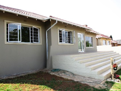 R 1,900,000 - 4 Bed Property For Sale in Linmeyer