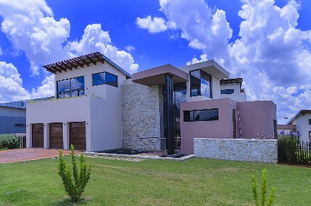 On Auction - 5 Bed Property On Auction in Witfontein