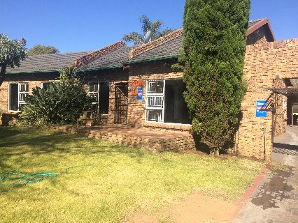 On Auction - 4 Bed Property On Auction in Del Judor