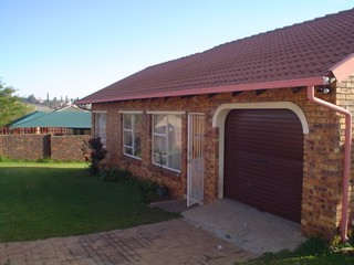 On Auction - 2 Bed Property On Auction in Die Heuwel