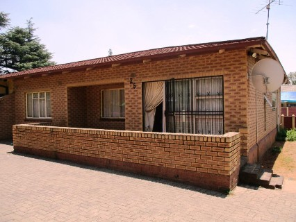 R 550,000 - 3 Bed Property For Sale in Vanderbijlpark
