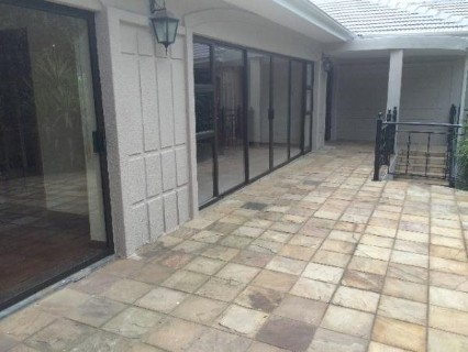 R 2,250,000 - 3.5 Bed Property For Sale in Cyrildene