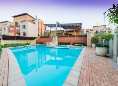 R 1,050,000 - 2 Bed Property For Sale in Douglasdale