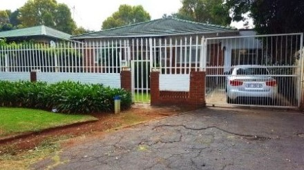 R 900,000 - 3 Bed Property For Sale in Bezuidenhout Valley