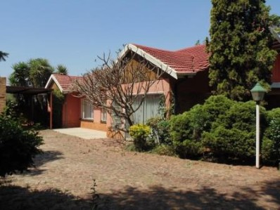 R 1,299,999 - 4 Bed Property For Sale in Birchleigh