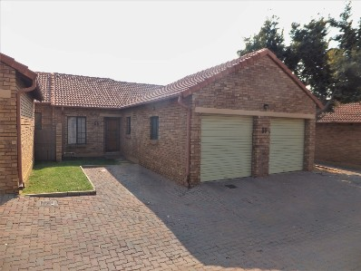 R 1,000,000 - 2 Bed Flat For Sale in Equestria