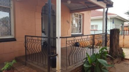 On Auction - 3 Bed Property On Auction in Bezuidenhout Valley