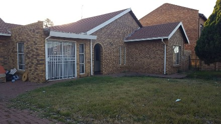 On Auction - 3 Bed Property On Auction in Bakerton