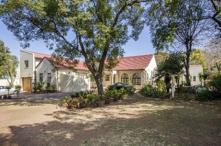 R 3,000,000 - 5 Bed Property For Sale in Observatory
