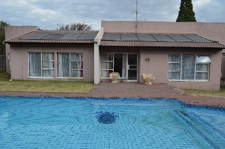 R 800,000 - 3 Bed Property For Sale in Sasolburg