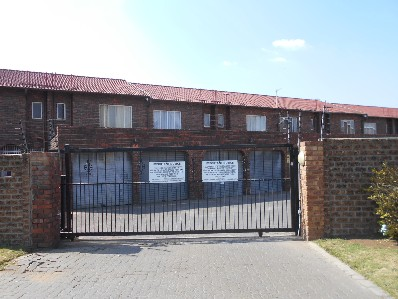 On Auction - 2 Bed Property On Auction in Beyers Park