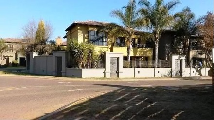 On Auction - 4 Bed Property On Auction in The Islands Estate